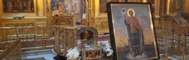 В Калугу доставили частицу мощей святого Александра Невского